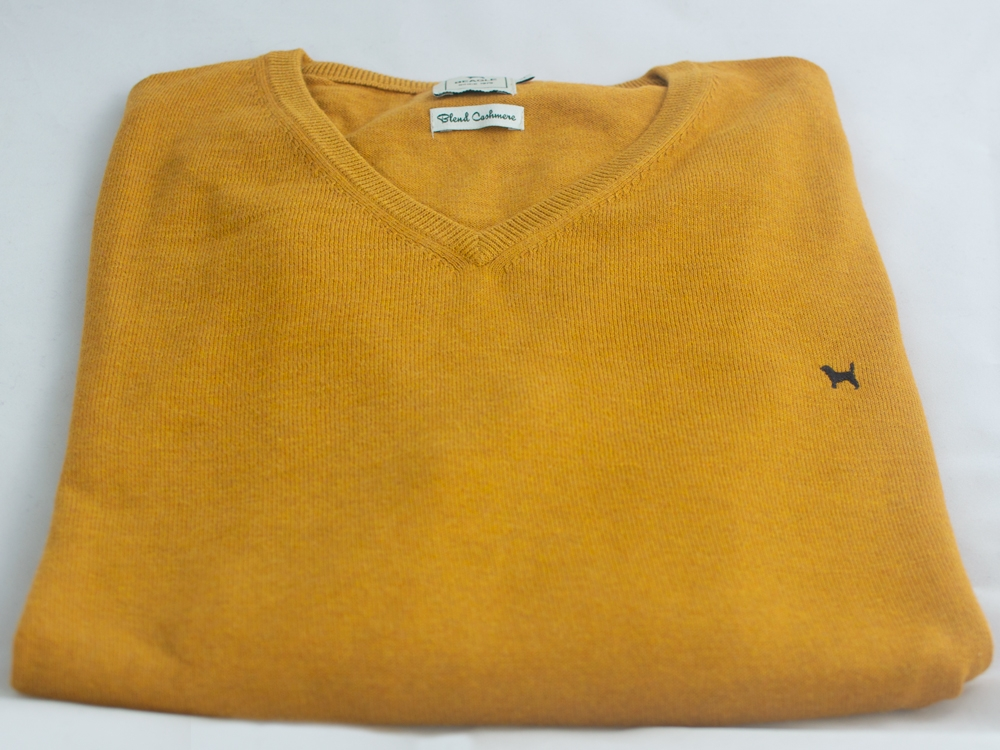 The Cashmere Cotton Blend V Neck Mostaza